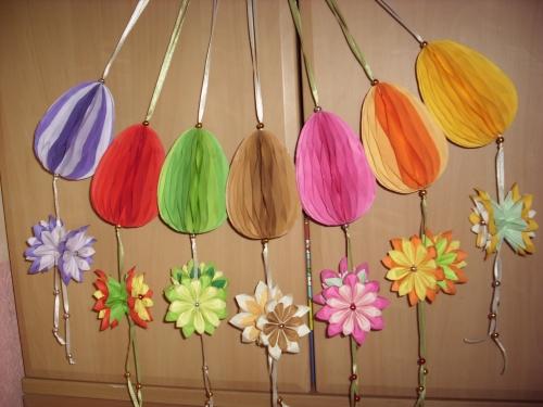Zawieszki z jajkiem wersja z kwiatkiem   Wielkanoc